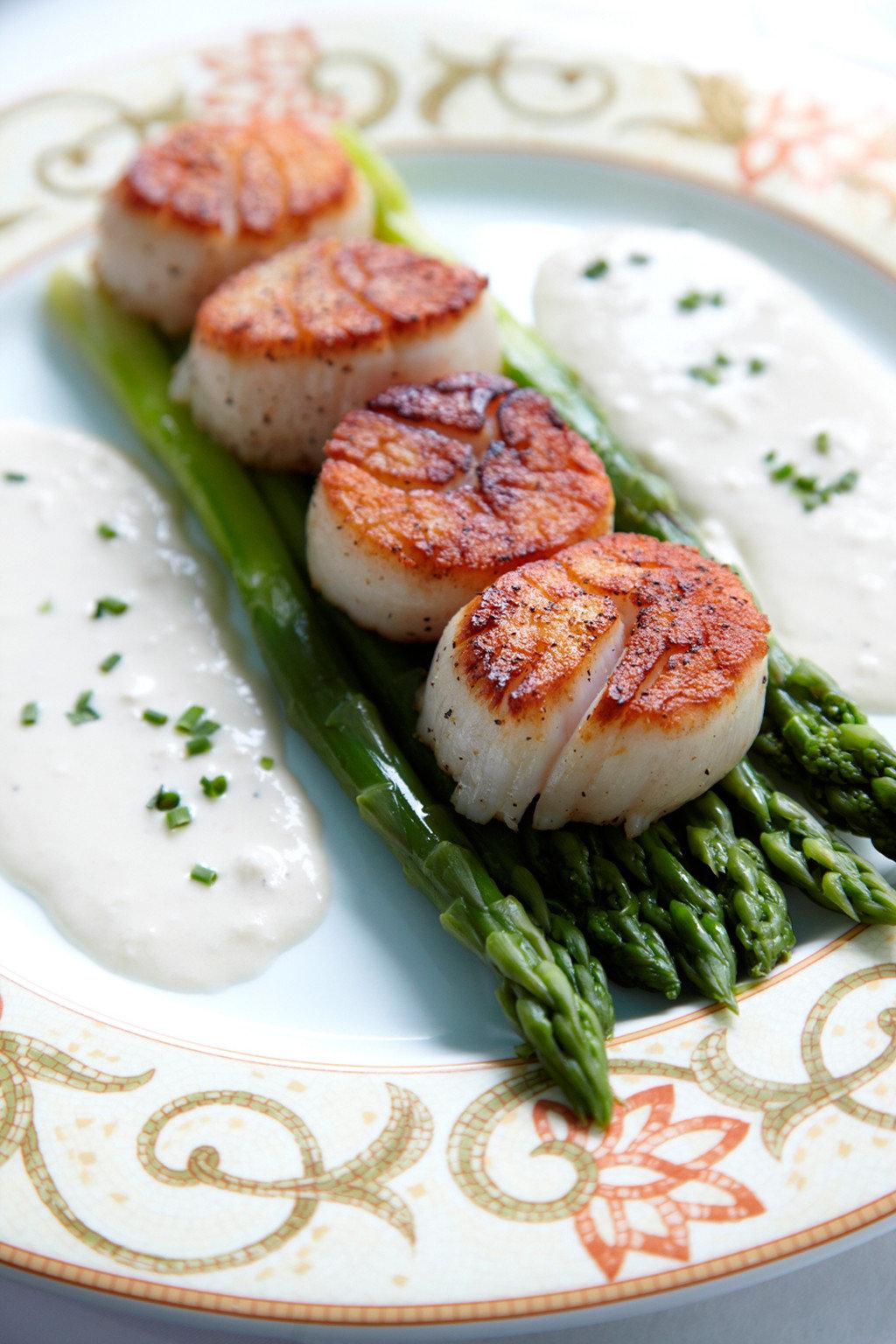 Dining Eat Luxury plate food Seafood fish cuisine vegetable invertebrate animal source foods meat arranged