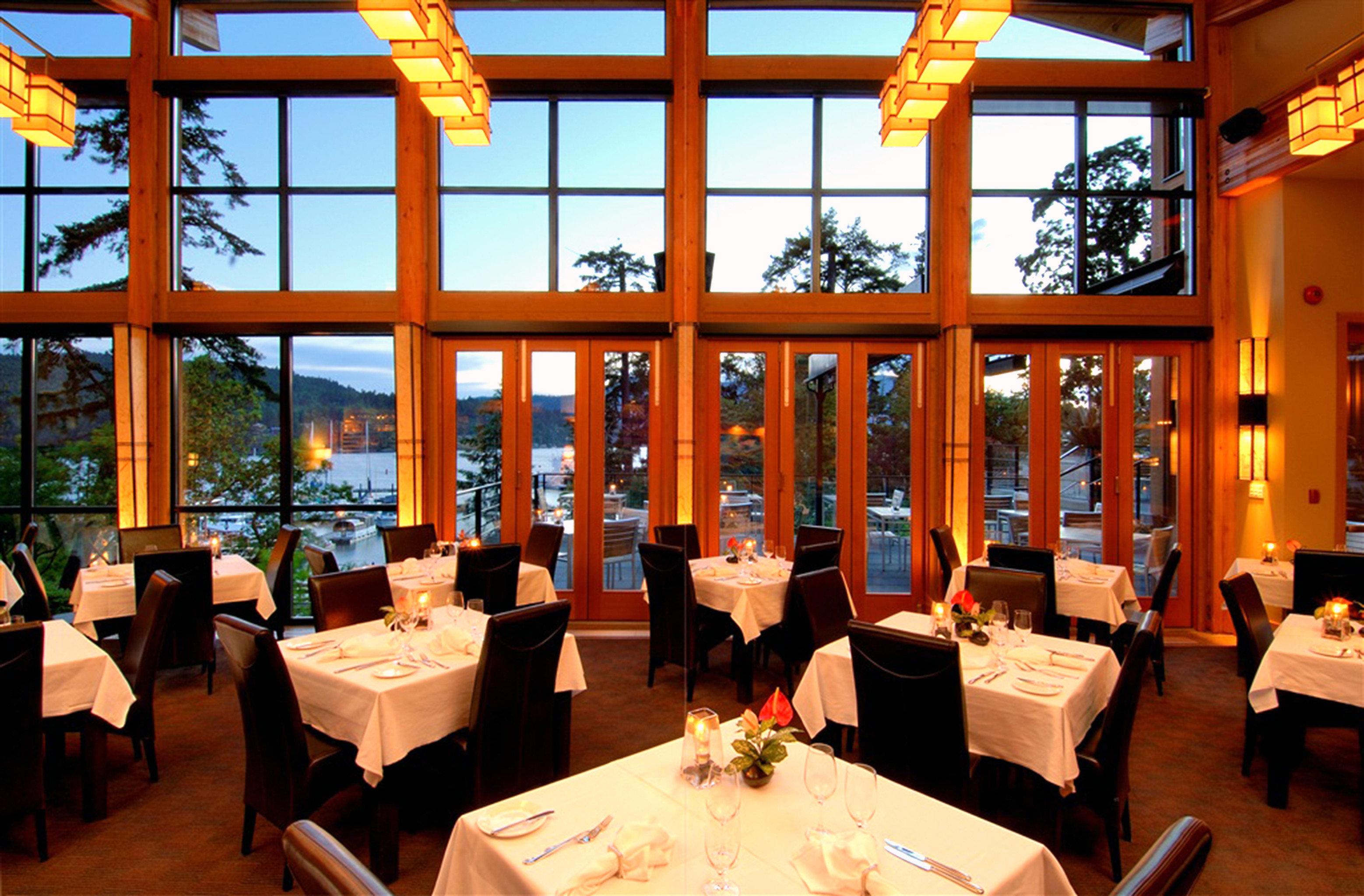 Dining Eat Modern Outdoor Activities Outdoors Resort Romantic Waterfront restaurant function hall