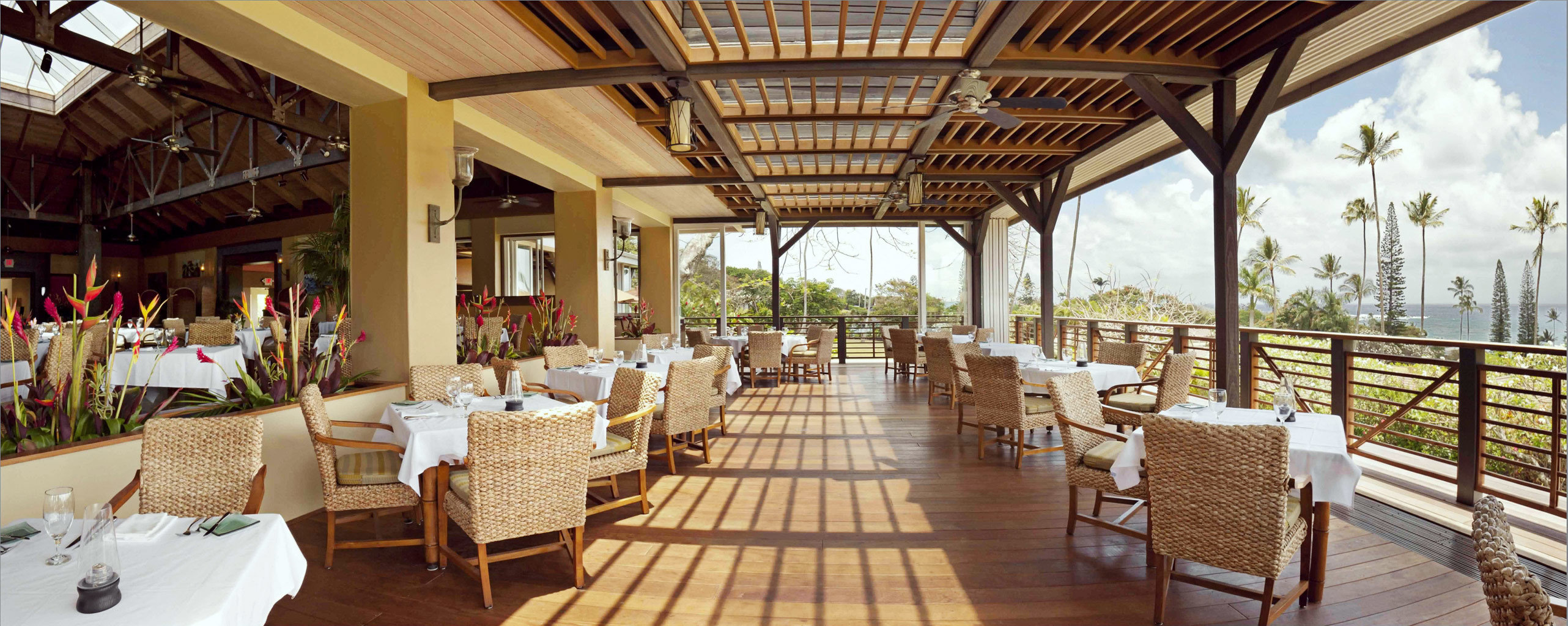 Dining Eat Outdoors Rustic Waterfront chair Resort restaurant function hall aisle Villa cottage