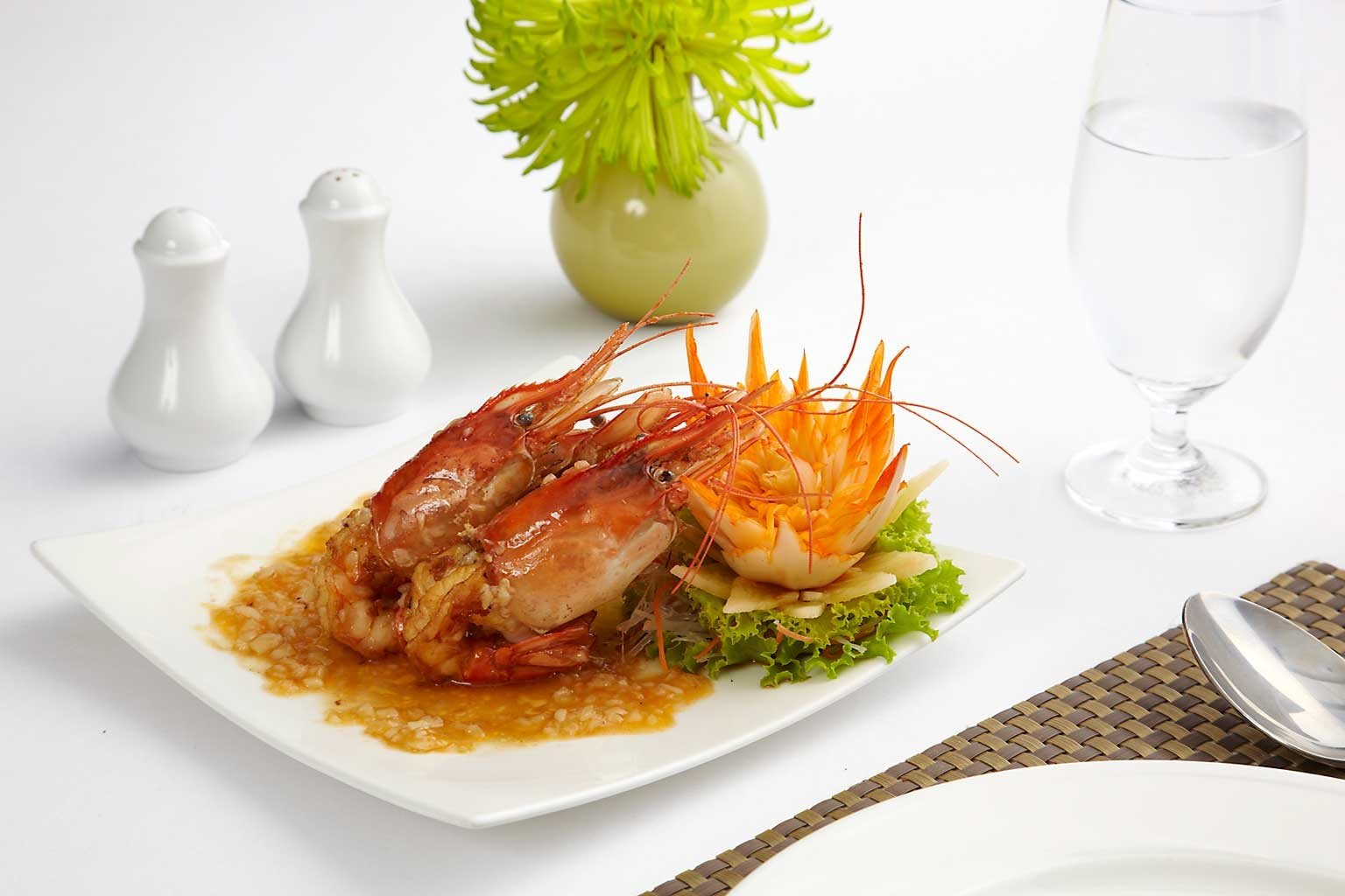Dining Eat plate food cuisine fish restaurant Seafood breakfast arranged piece de resistance