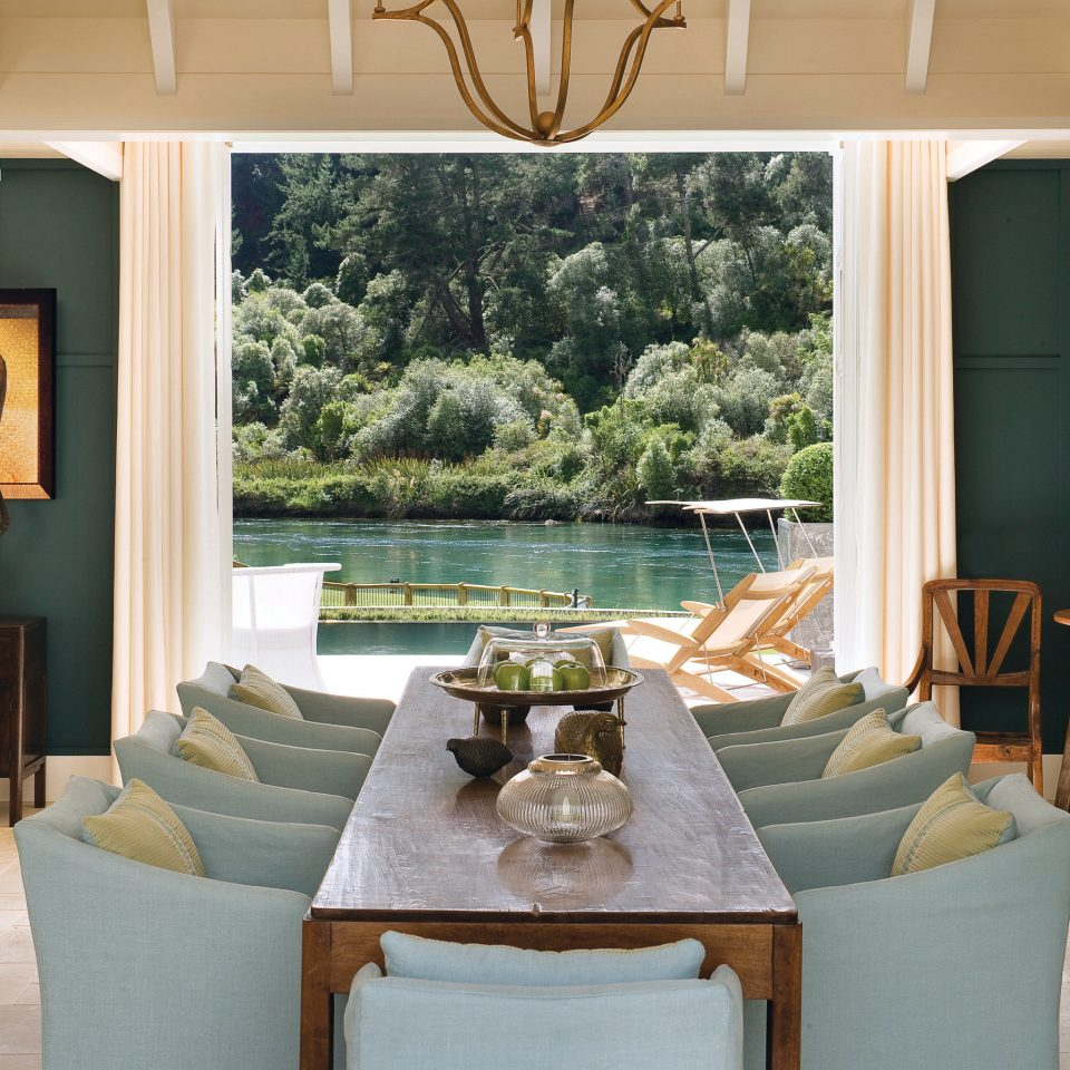 Dining Elegant Lake Lounge Luxury Scenic views Waterfront property living room home cottage Villa Suite farmhouse