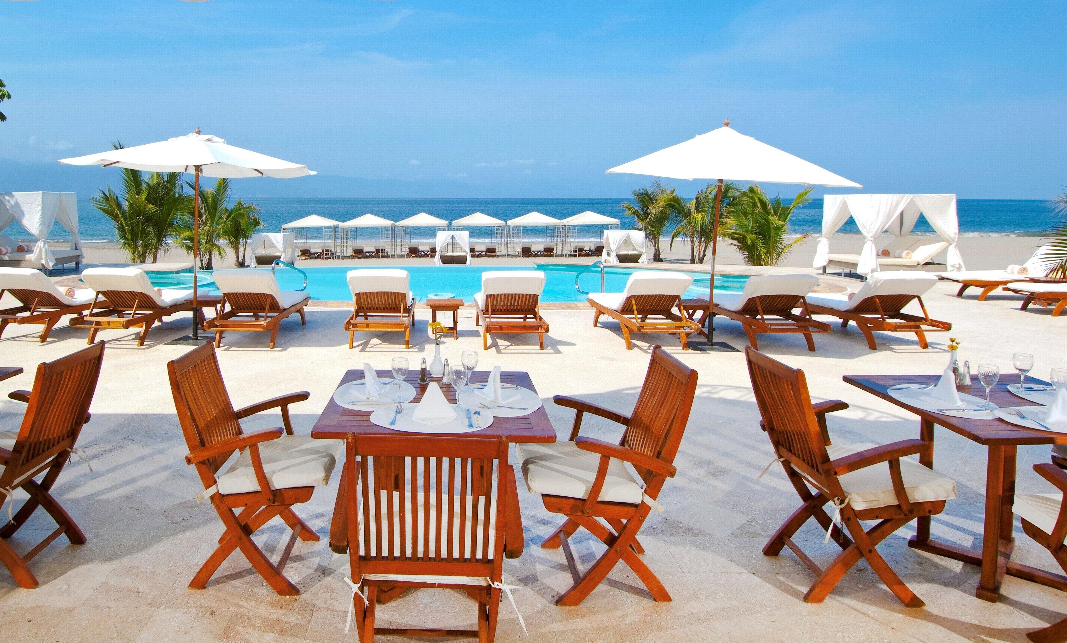 Elegant Lounge Luxury Modern Pool chair umbrella sky leisure Resort lawn caribbean restaurant Villa Dining set lined day