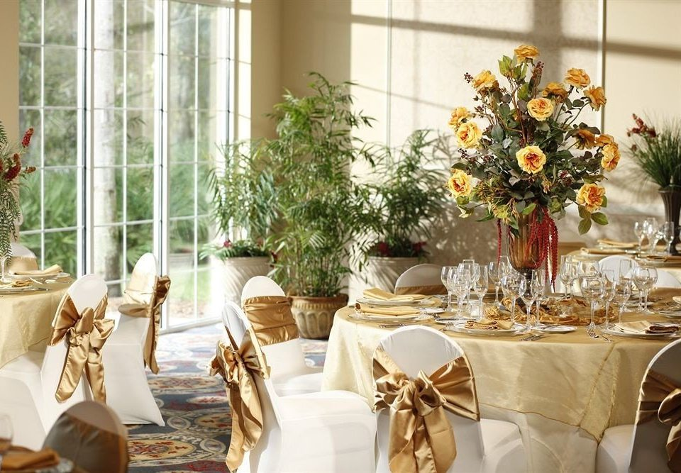 Dining Family flower arranging centrepiece floristry banquet wedding ceremony function hall floral design aisle wedding reception event flower restaurant rehearsal dinner ballroom christmas decoration brunch dining table