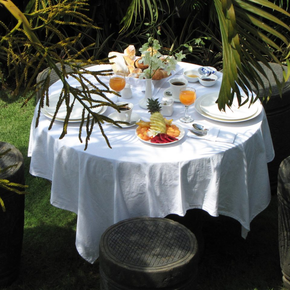 Dining Island Tropical grass flower backyard floristry Garden plant