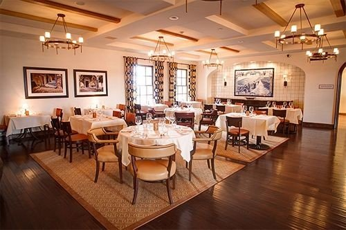 Dining Inn Winery restaurant function hall café ballroom hard Island