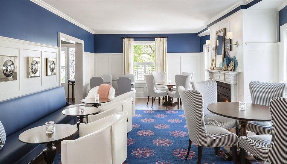 Dining Inn property living room condominium home Suite waiting room Modern