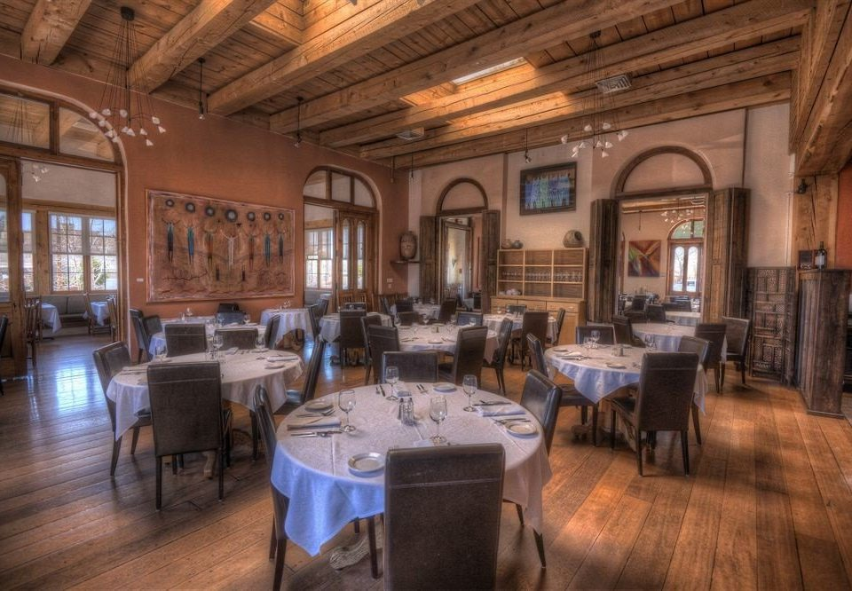 Dining Inn property restaurant Resort tavern function hall mansion