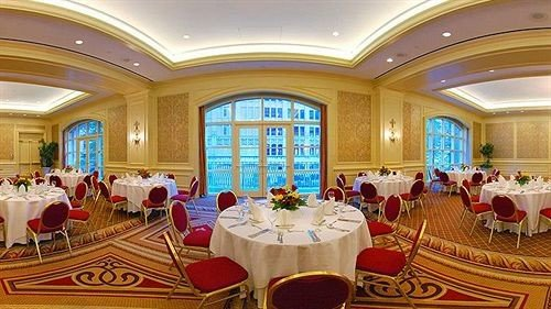 function hall Dining banquet ballroom conference hall convention center palace Island dining table