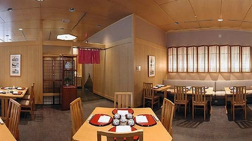 Dining Resort property scene restaurant Lobby function hall recreation room conference hall Suite Island