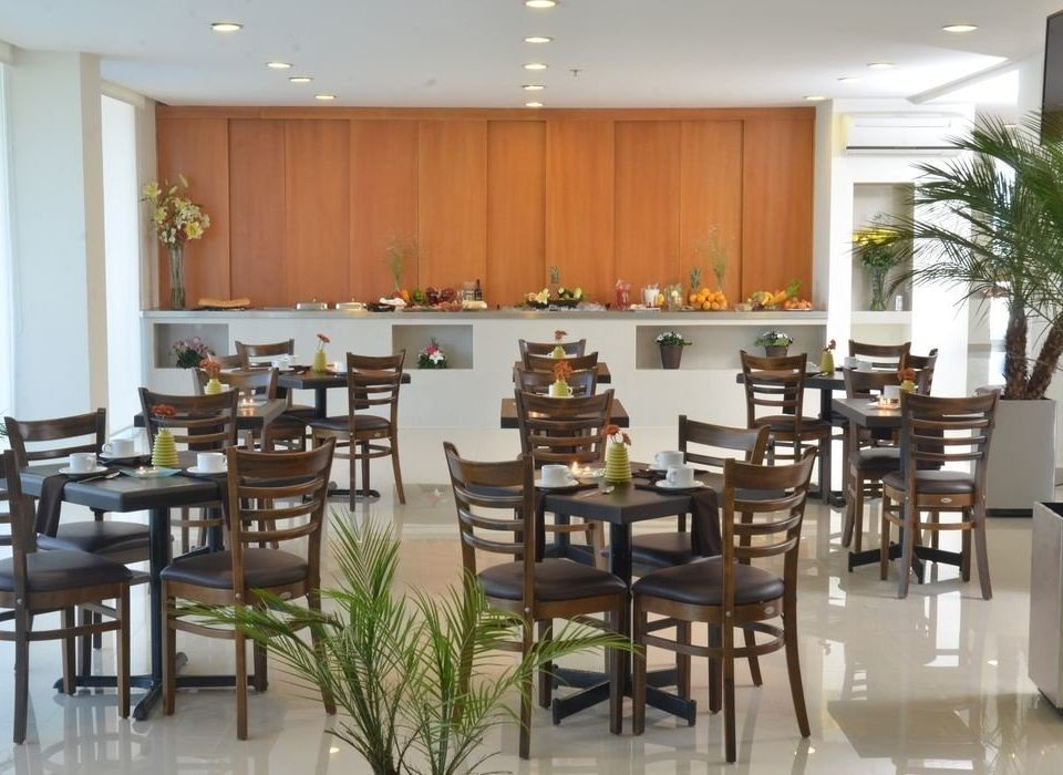 Kitchen chair Dining property restaurant cafeteria function hall conference hall condominium set dining table