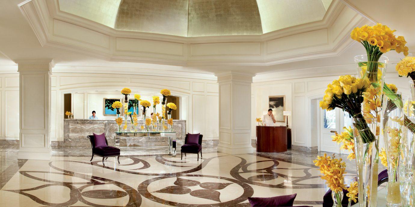 wine Lobby aisle function hall mansion Dining palace ballroom home living room