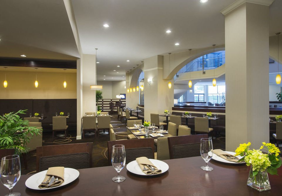 Lobby restaurant condominium function hall Dining convention center cafeteria
