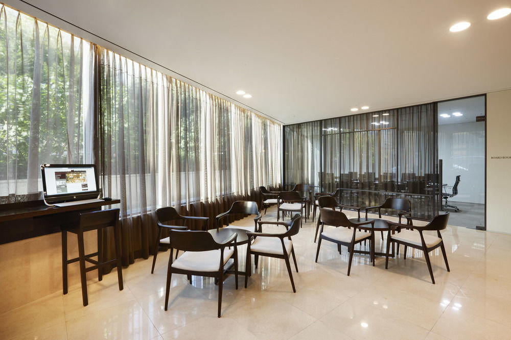 chair property condominium Dining home Lobby restaurant