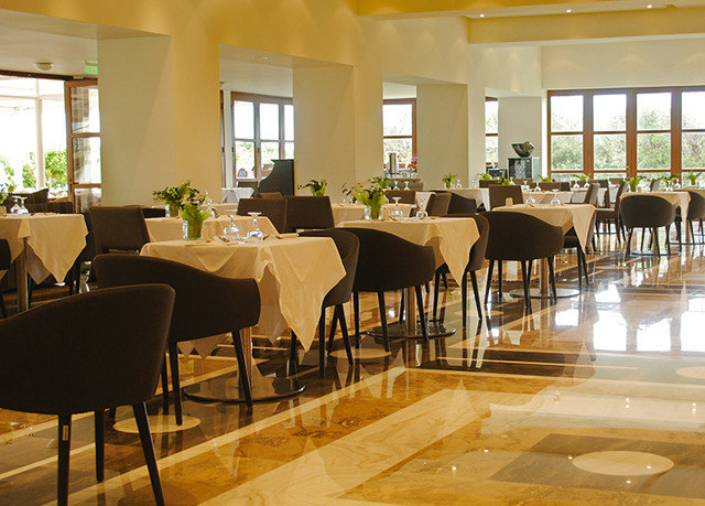 chair restaurant Dining function hall cafeteria conference hall Resort café convention center Lobby ballroom set