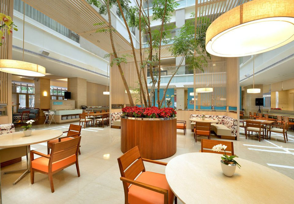 chair Lobby restaurant cafeteria Dining Resort condominium food court convention center plaza shopping mall function hall