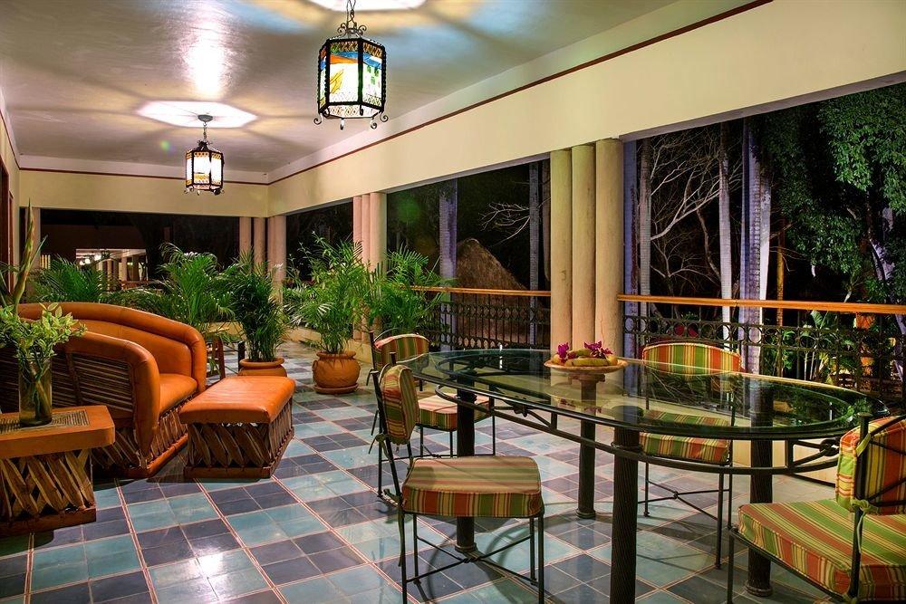 Lobby chair property condominium Resort Dining restaurant home
