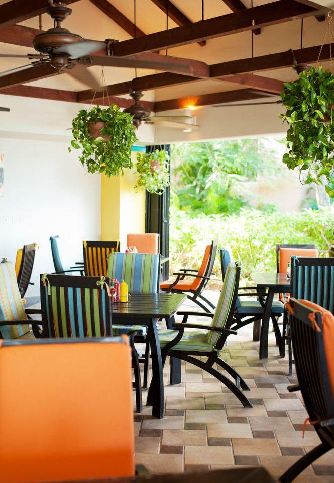 chair property living room Lobby Dining home condominium Resort restaurant dining table