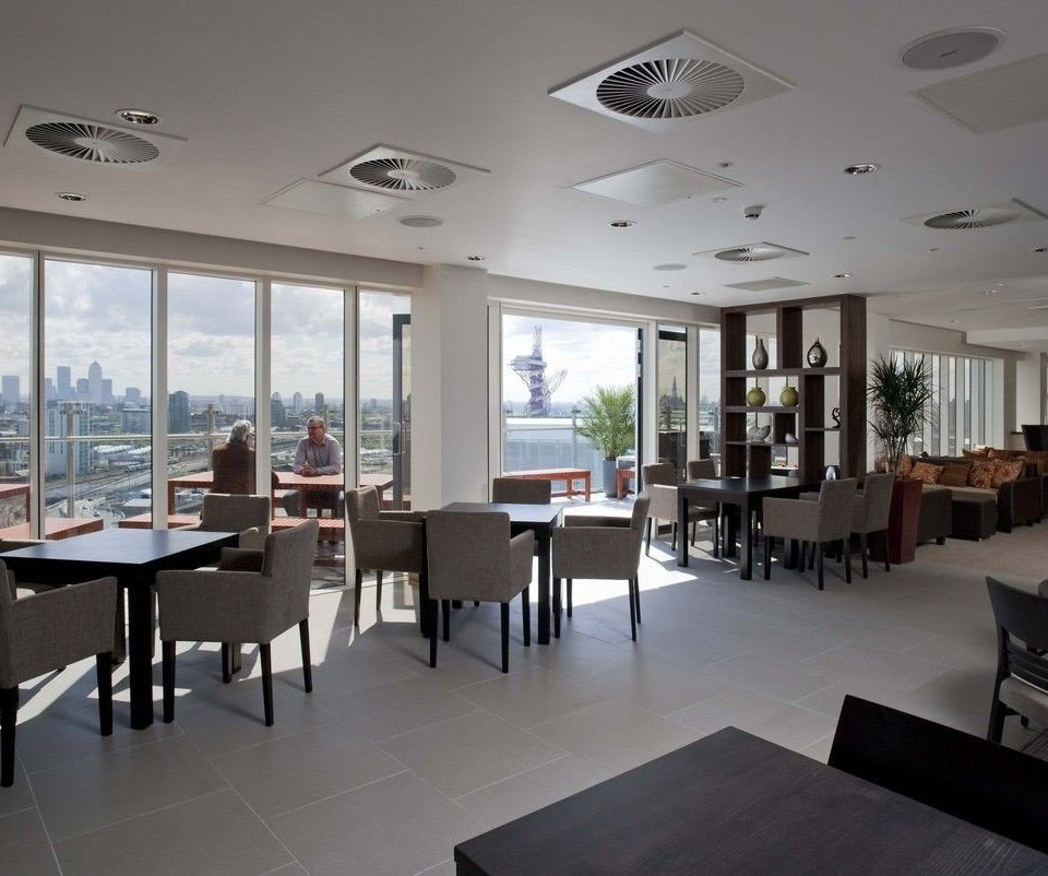 property condominium Dining Lobby restaurant Resort dining table