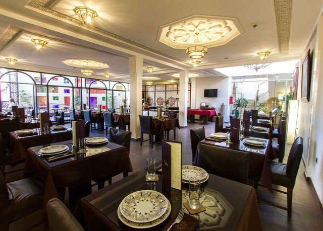 property Lobby restaurant Dining Resort set