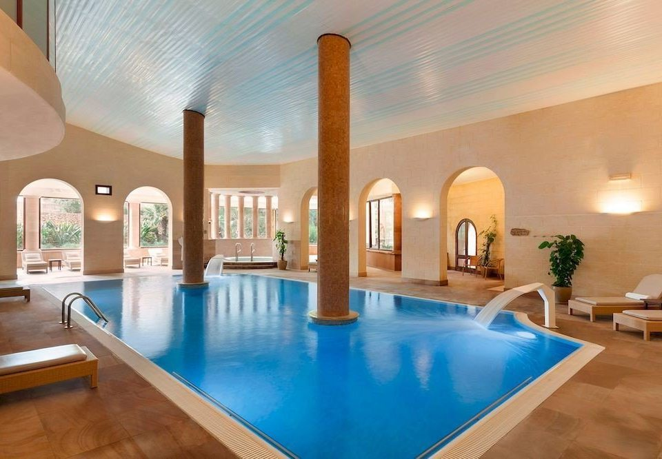 swimming pool property Resort Lobby mansion Dining Villa blue