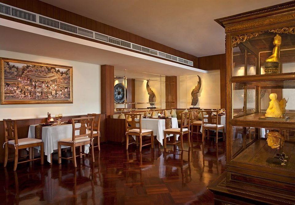 property restaurant Lobby palace mansion Resort Dining Villa dining table