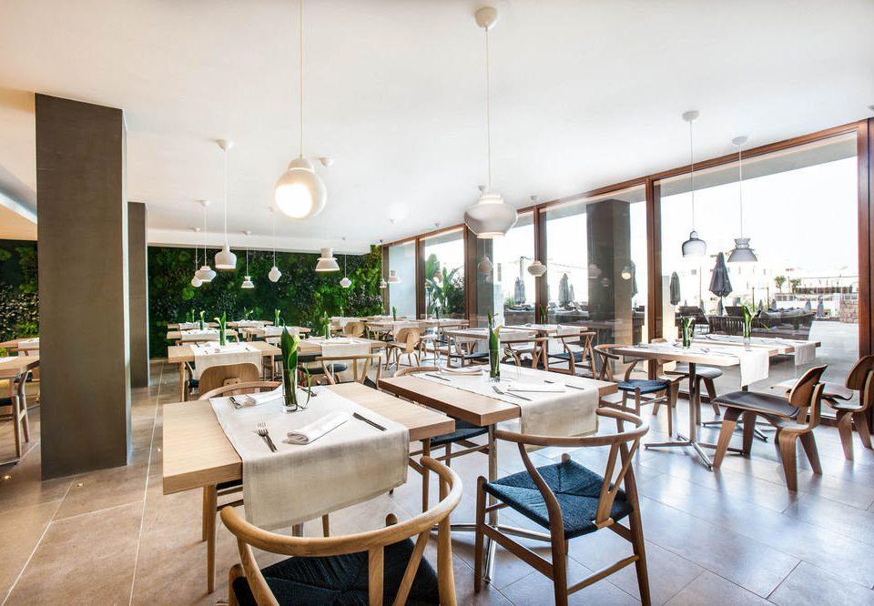 chair property restaurant Resort Dining condominium Lobby Villa