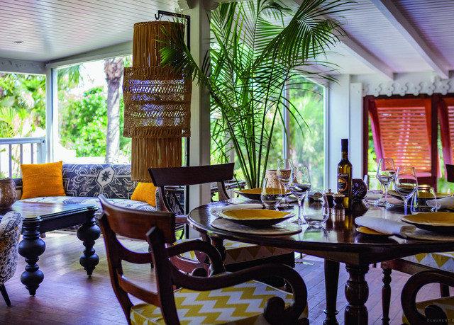 property Dining home house Lobby Resort restaurant living room condominium Villa dining table