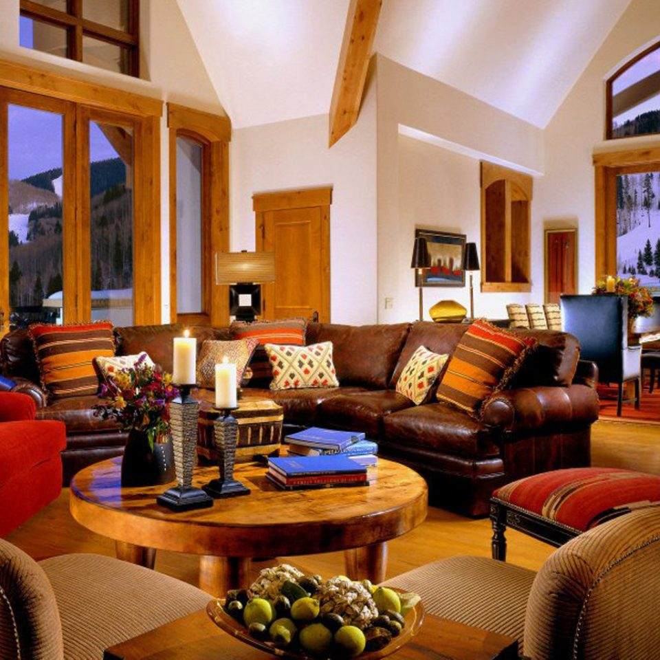 Dining Lounge Resort Scenic views property living room chair home Suite cottage condominium Villa