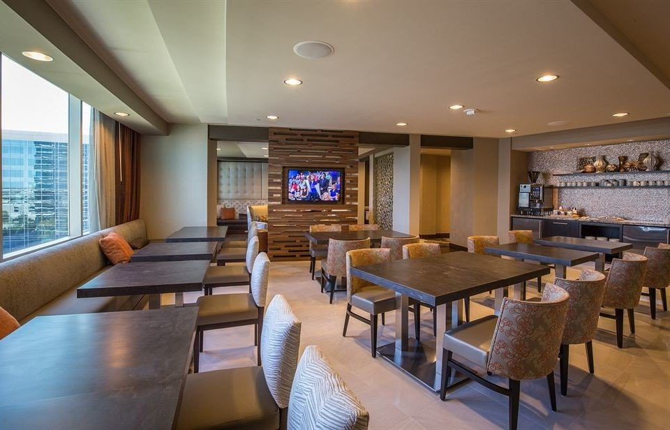 sofa property chair recreation room billiard room Dining restaurant Resort condominium conference hall function hall nice Suite Modern overlooking flat