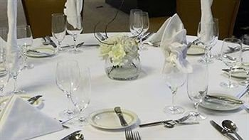centrepiece banquet dining table Party Dining restaurant glass dinner set