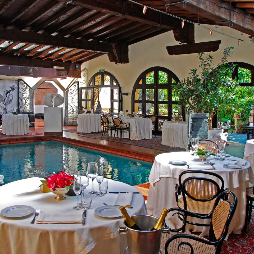Dining Pool restaurant Resort function hall Villa dining table