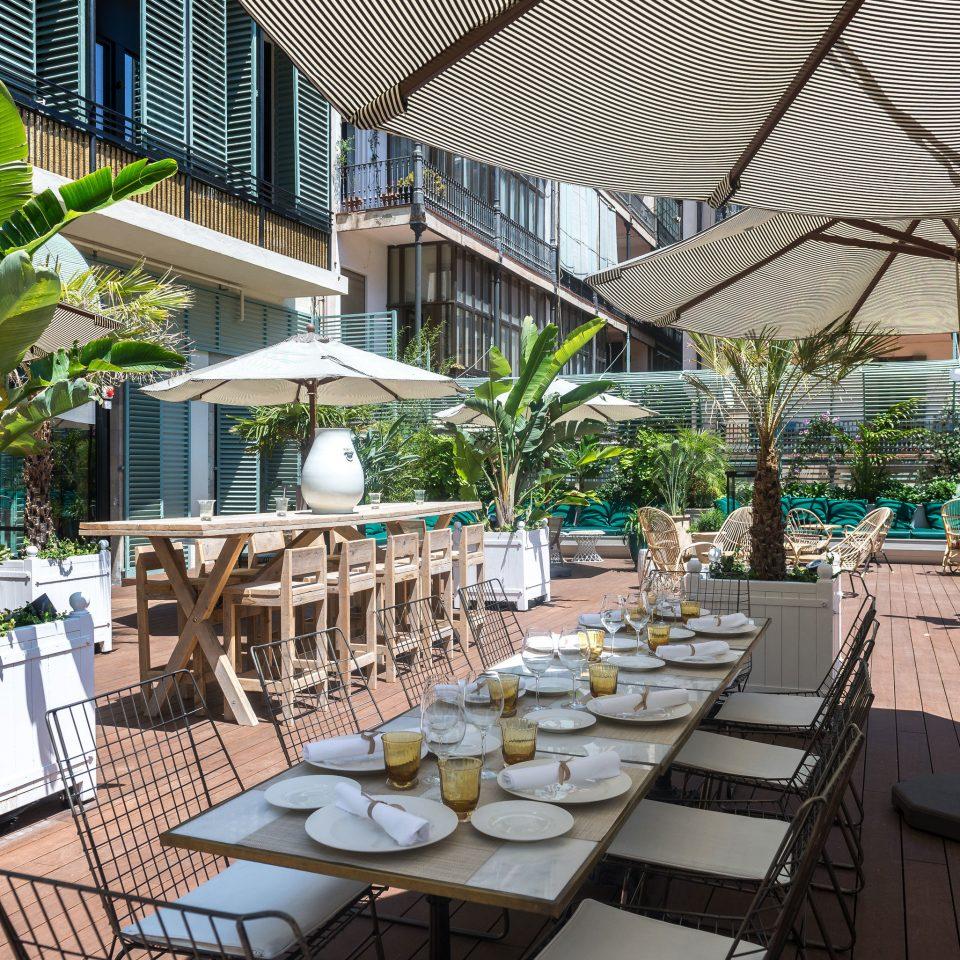 chair property Resort Dining restaurant condominium backyard outdoor structure set