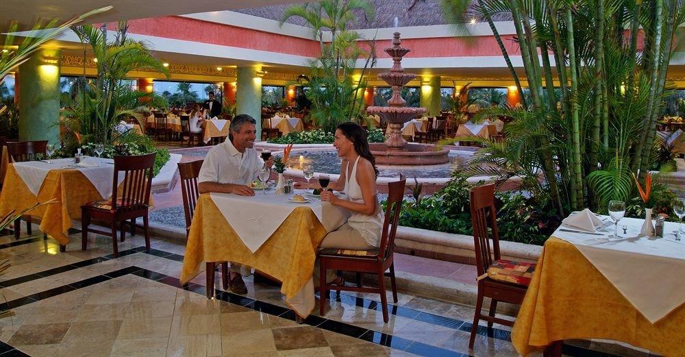 Dining restaurant Resort function hall banquet dining table