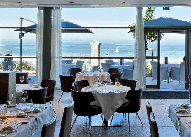 chair restaurant Resort home Dining living room overlooking set