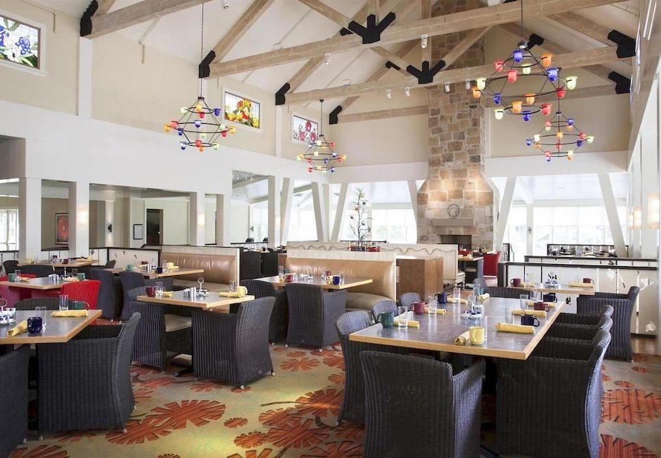 Dining Resort property restaurant cluttered