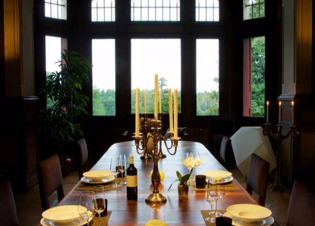 property restaurant Dining Resort dining table