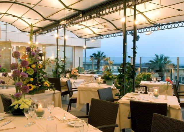 restaurant floristry function hall Dining Resort set