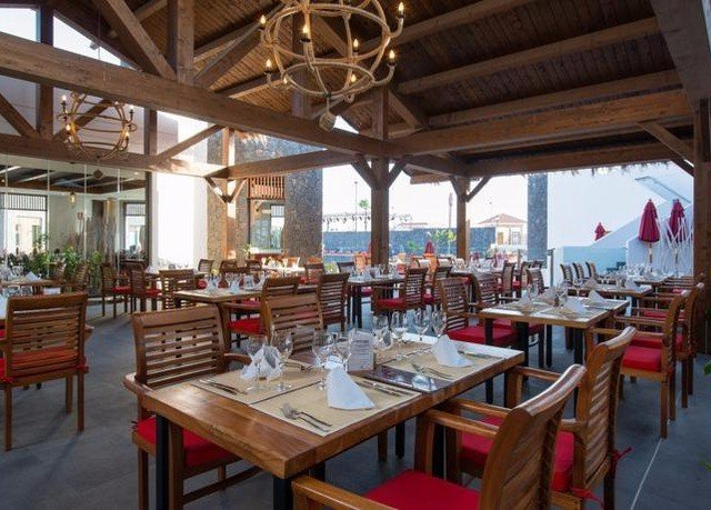 restaurant property Resort tavern function hall Dining