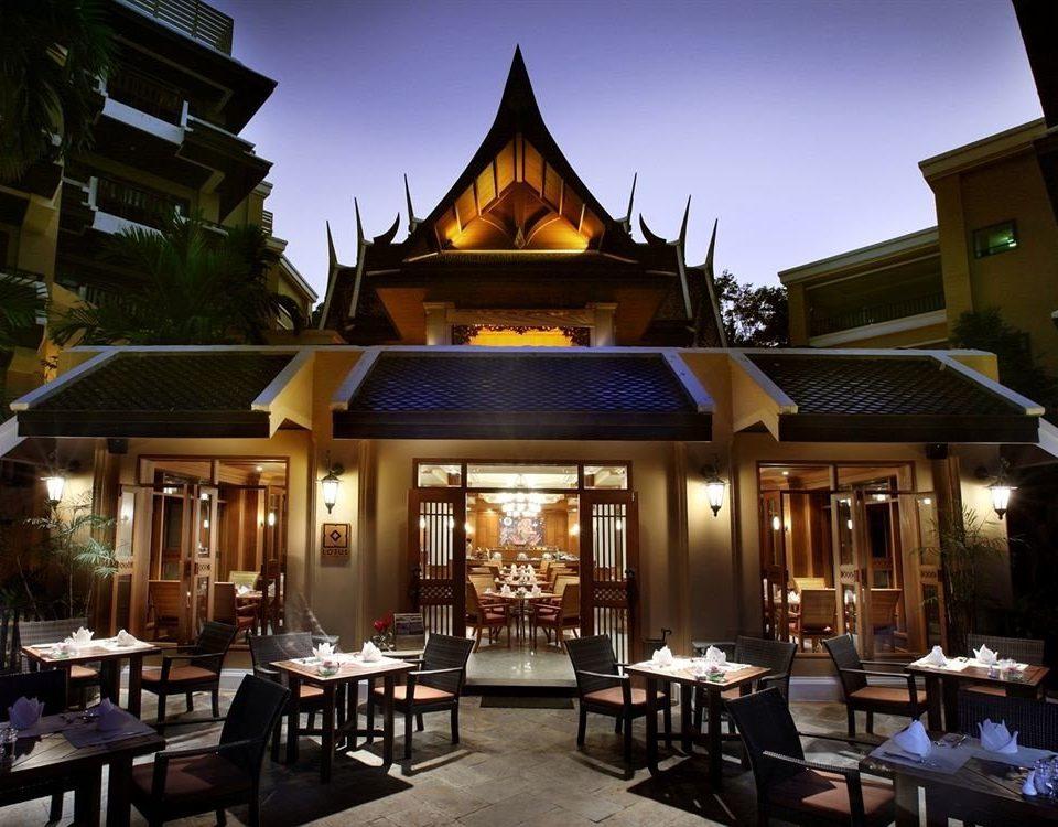 Resort restaurant Dining