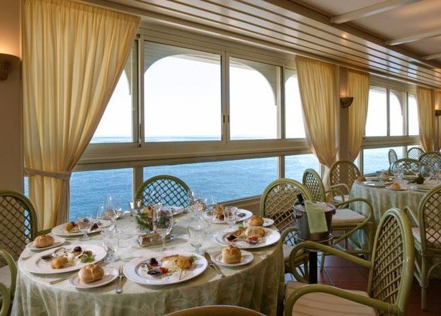 chair food Dining restaurant function hall Resort yacht Suite set dining table
