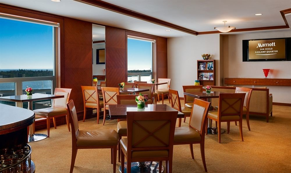 chair property Resort restaurant Suite recreation room Dining