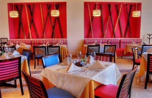 chair restaurant Dining Resort Suite