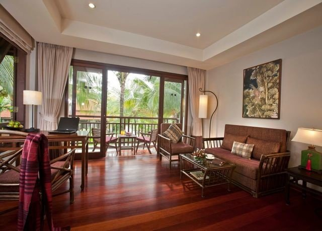 property living room condominium Resort hardwood home Villa mansion Dining Suite cottage wood flooring hard farmhouse