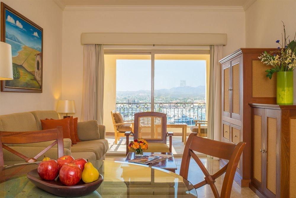 property Villa home Resort Suite cottage Dining condominium living room set
