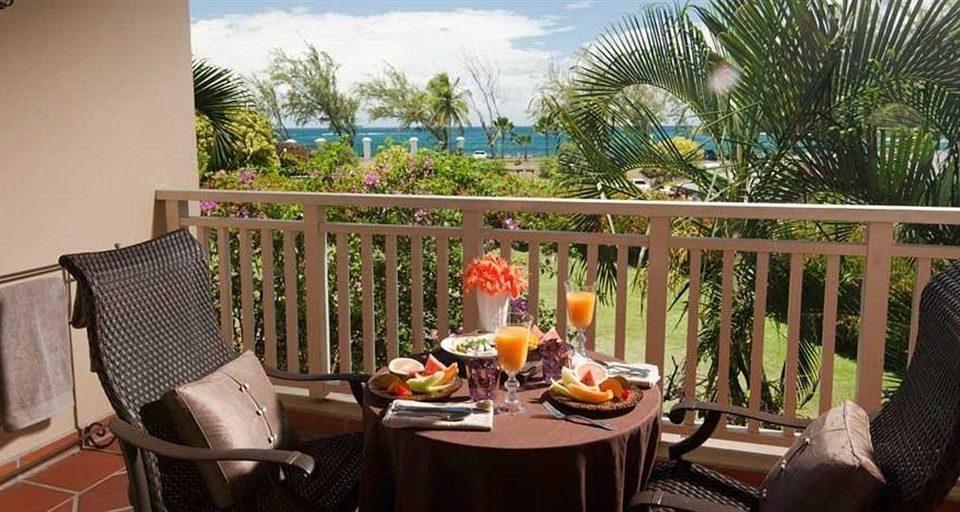 chair property Dining Resort Villa home hacienda cottage restaurant backyard dining table