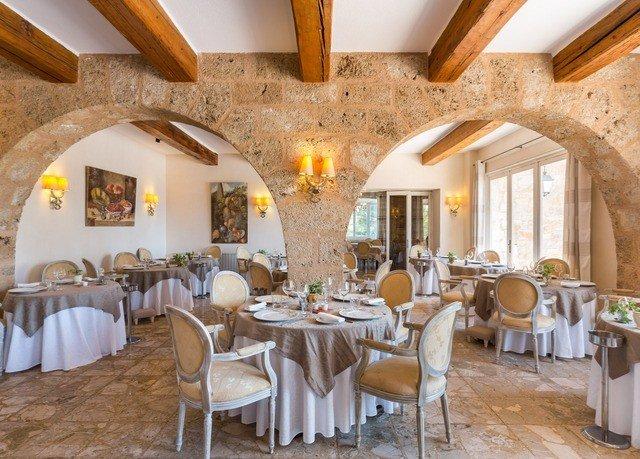 chair property restaurant function hall Dining wooden Resort hacienda Villa cottage ballroom dining table