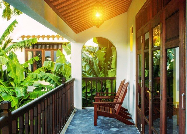 property Resort building porch Dining Villa hacienda home cottage mansion eco hotel restaurant plant