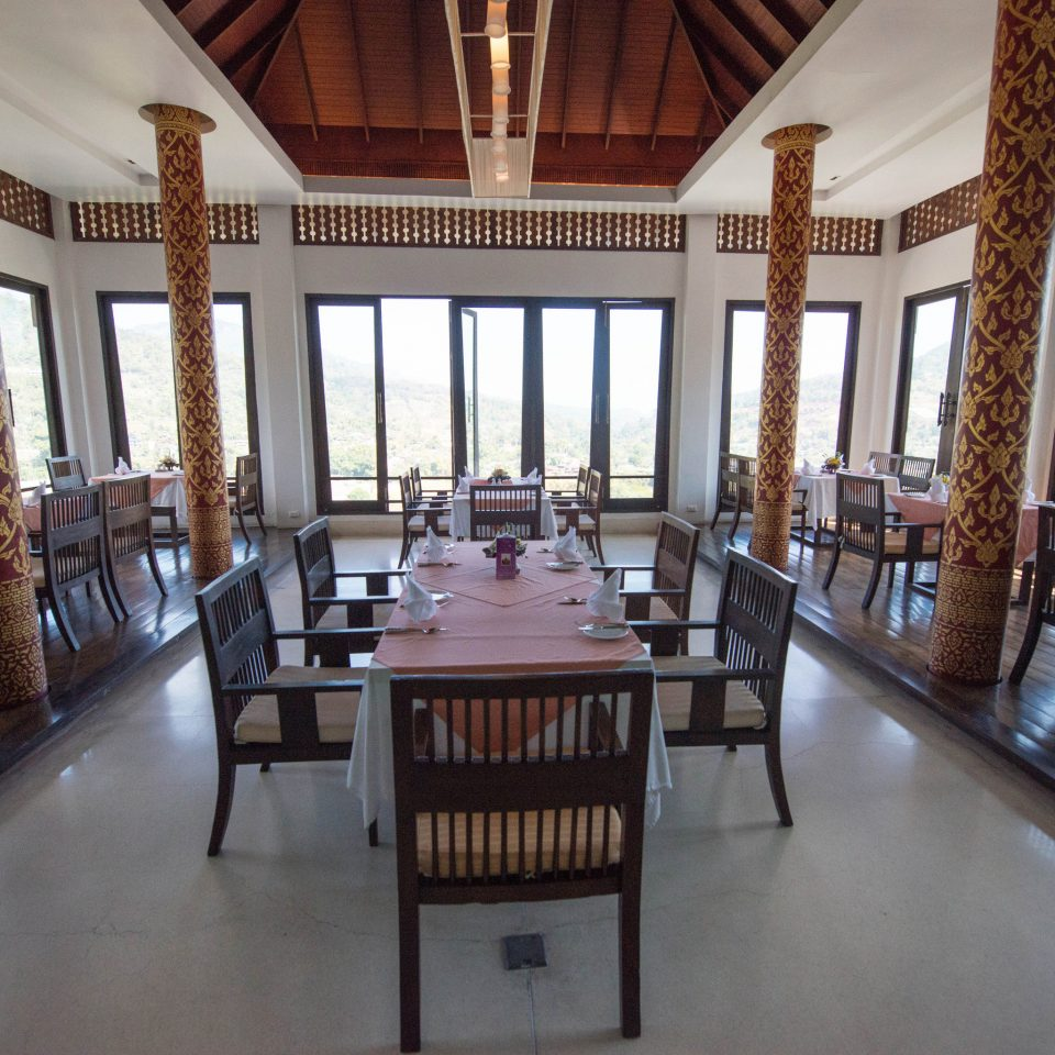 mansion property Dining building Resort restaurant Villa dining table