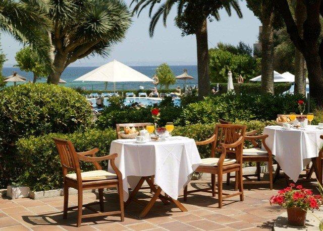 tree chair Dining Resort restaurant hacienda Villa set dining table