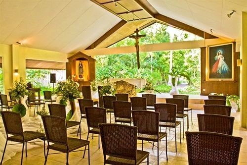 chair property Resort restaurant function hall Dining Villa dining table